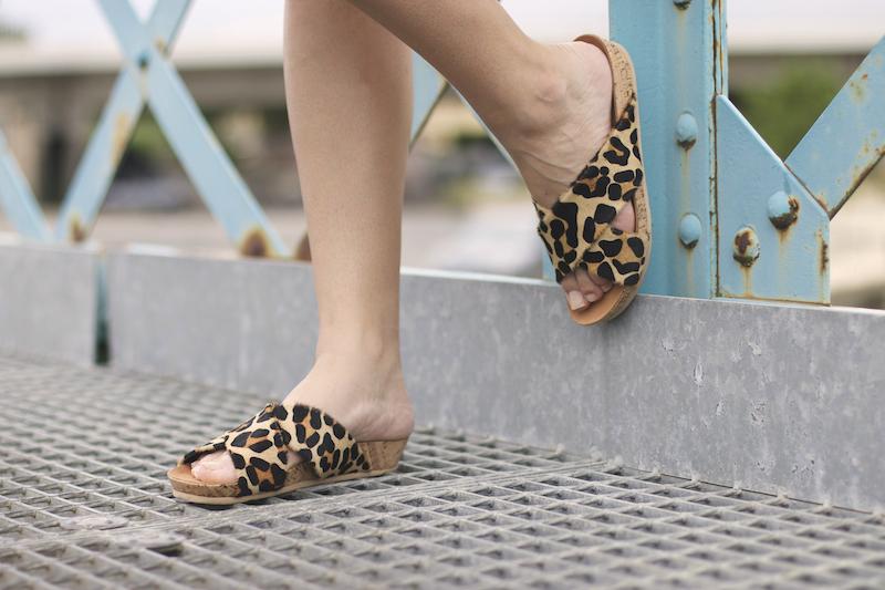 sandales léopard