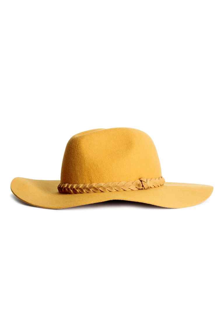 chapeau jaune moutarde