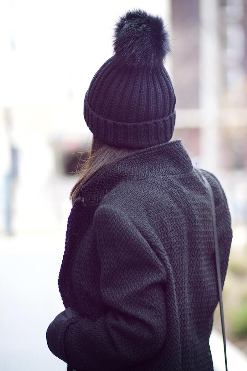 blog mode bonnet pompon noir