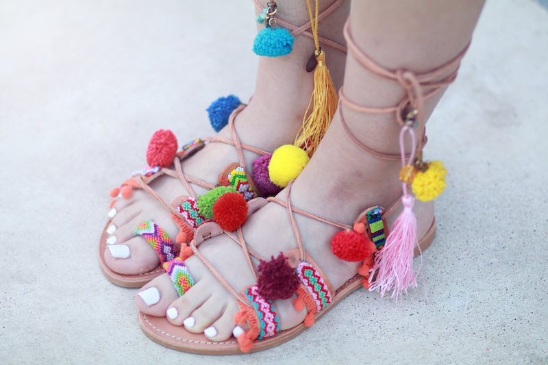 blog mode sandales lacées à pompons