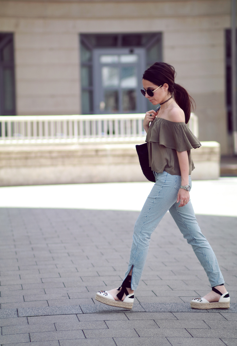 blog-mode-top-off-shoulder