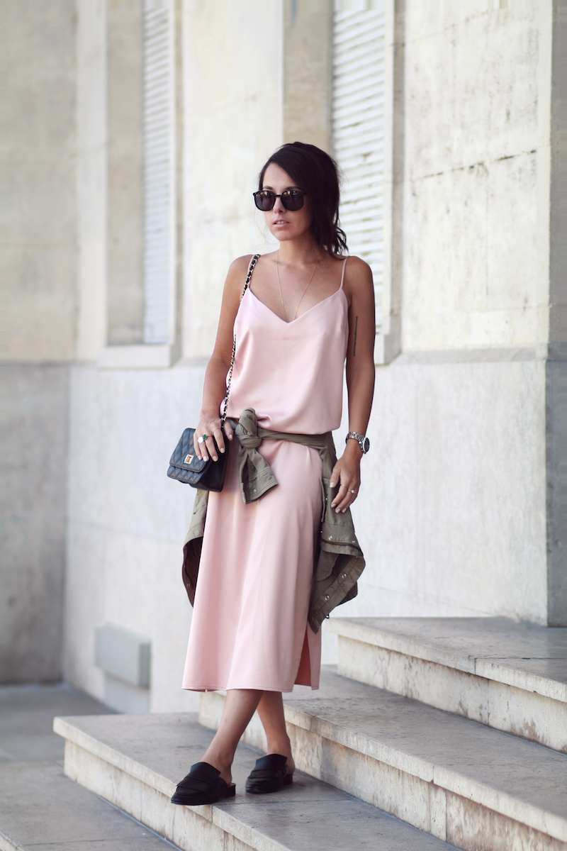comment-porter-slip-dress