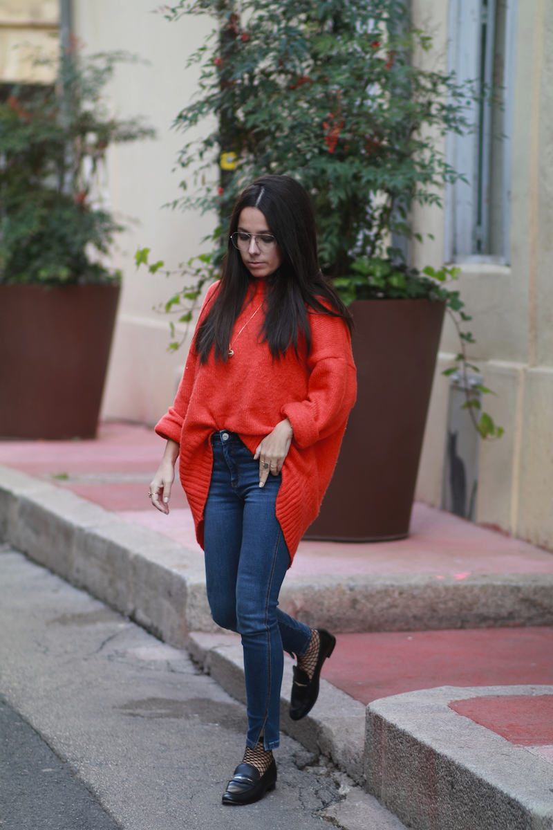 blogueuse-mode-look-pull-rouge-mocassins