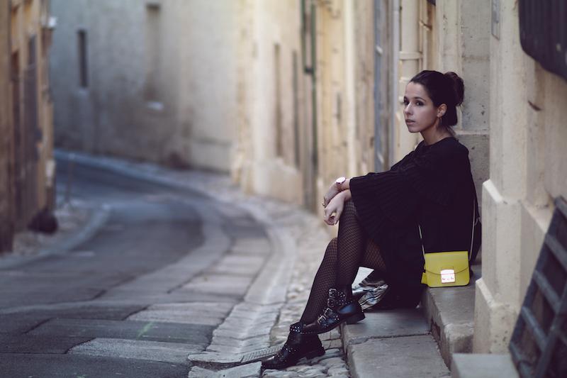 comment-porter-robe-noire-look-rock