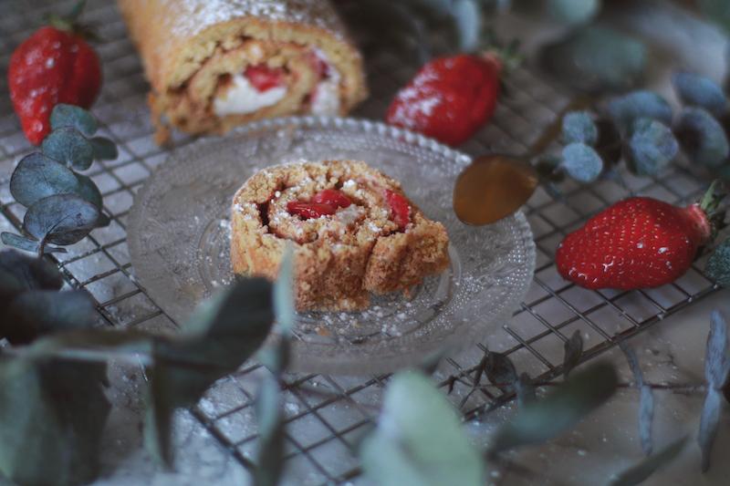 gateau roulé aux fraises