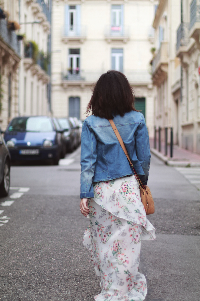 blog-mode-veste-jean-robe-longue-fleurs